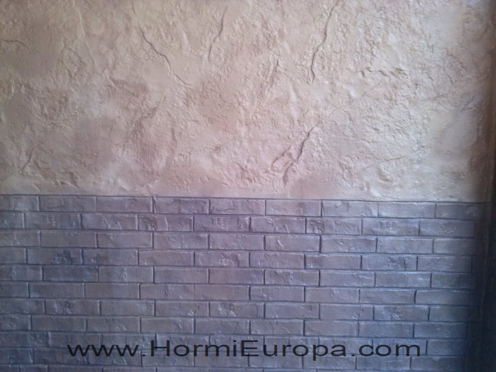 impreso vertical pared alcala de henares